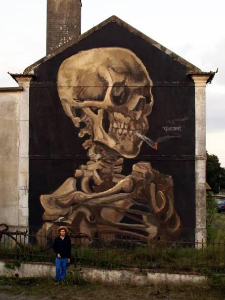 """Skull with a burning Joint"", em Riachos. Nov2014 — com Vincent Willem van Gogh."