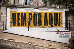 """Exposição """"Cântico Negro"""", de Alma, Fedor e Third, três nomes do Colectivo Rua, na Calçada da Glória (Crédito: José Vicente)"""