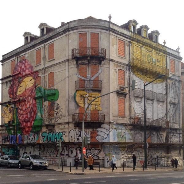 Clássico mural entre Os Gemeos (Brasil) e Blu (Itália) dentro da primeira edição do projeto Crono (Crédito: CtrlAltRUA)