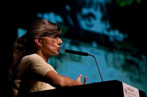 Silvia Câmara no Colóquio Internacional Entre Margens (Crédito: José Vicente)