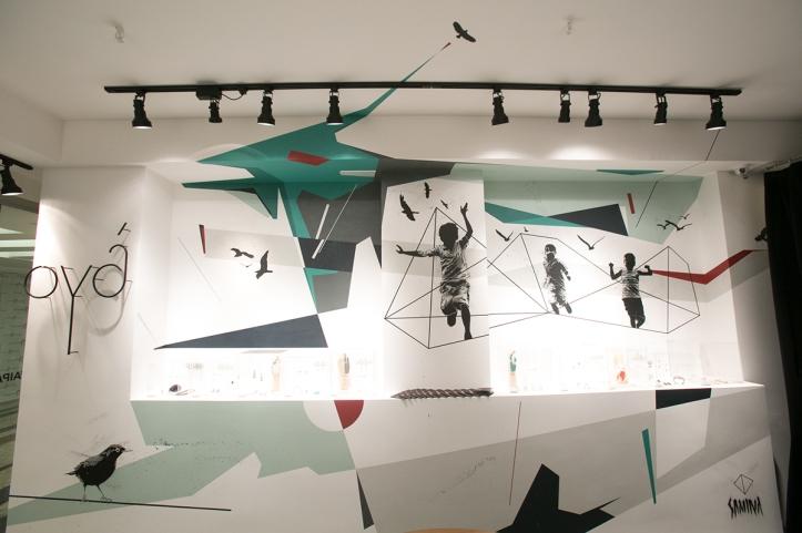 Arte de Samina na joalharia JOYÁ, no Rio de Janeiro (behance.net/JSAMINA)