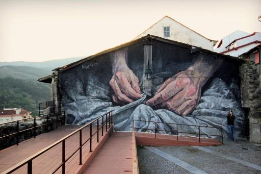 """""""Fio Condutor"""" (2017) Mural de Regg Salgado no âmbito do ENED (Crédito: Divulgação/Pedro Seixo Rodrigues)"""