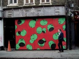 """""""Falling Heads"""" (2015). Londres, Ingleterra"""