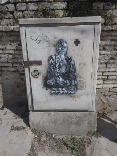 """Frida"" Pasteup de Sadhu-X nas ruas de Katmandu (crédito: adityaayral)"