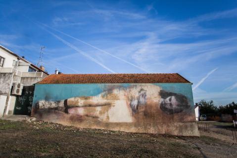 """""""Abandono"""" Mural de Bosoletti na primeira edição do Estau (Crédito: Miguel Oliveira)"""