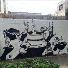 """Cada Sociedade Tem Seu Deus"". Pintura realizada no Distrito Federal, no México (Crédito: Alex Senna/Instagram)"