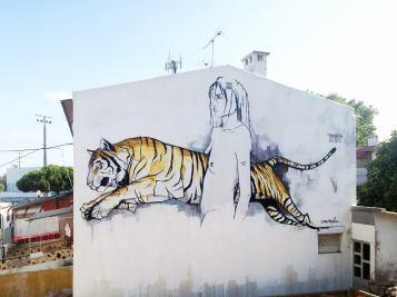 Mural realizado dentro do Festival Muro LX, no Bairro Padre Cruz, em Lisboa (crédito: divulgação/facebook)