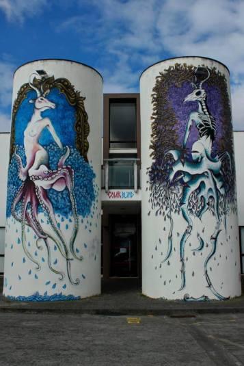 Trabalho do duo Color Blind, projeto articulado com o artista Oze Arv, no Açores (crédito: divulgação/facebook)
